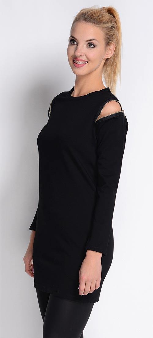 Černá halenka s rozepínacími zámky na ramenou