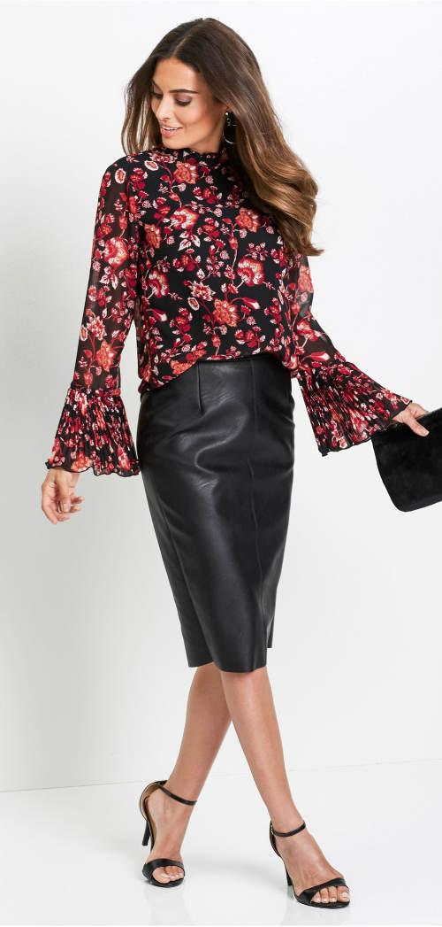 Společenská halenka ke kožené sukni