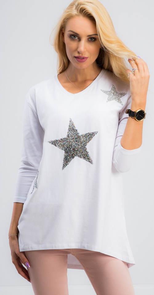 Bílá halenka s třpytivými hvězdami