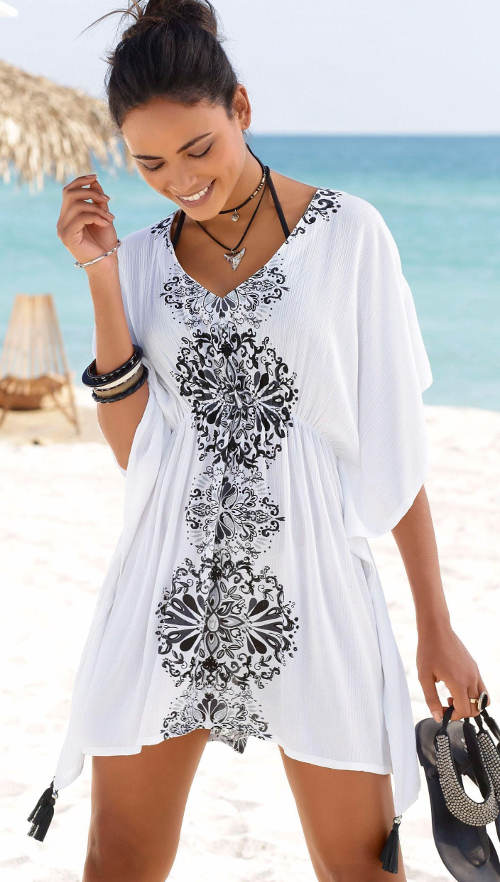 Bílá plážová tunika s černými ornamenty