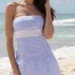 Námořnické plážové šaty nad prsa