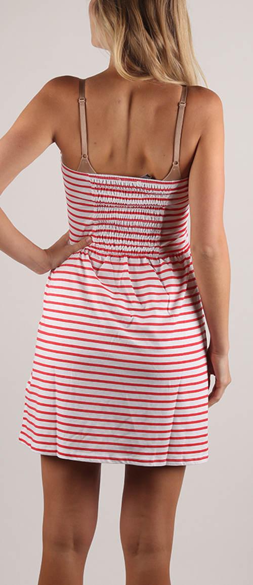 Pruhované letní šaty bez ramínek