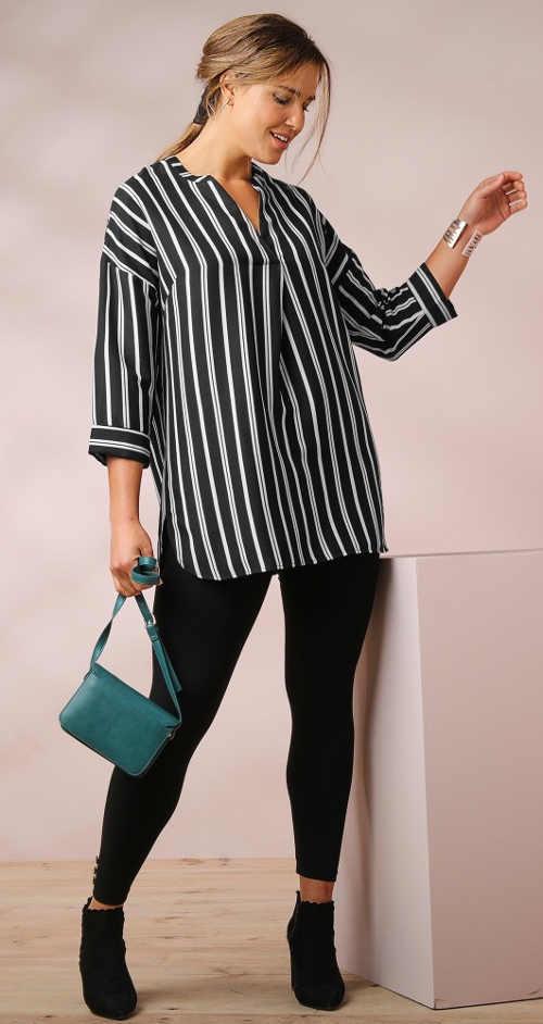Pruhovaná dámská košile s tříčtvrtečními rukávy