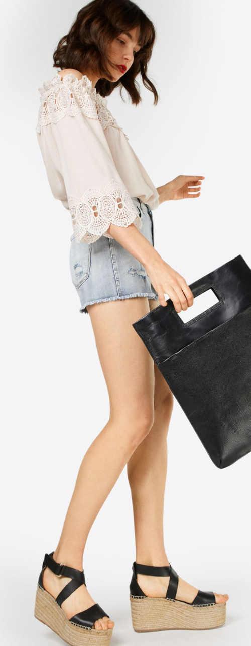 Letní krajková tunika k džínovým šortkám