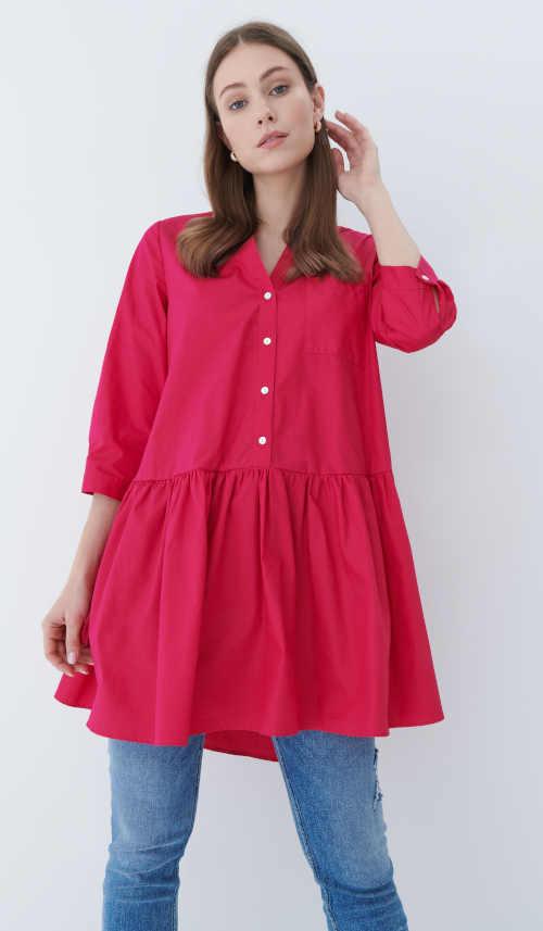 červená tunika z bavlny