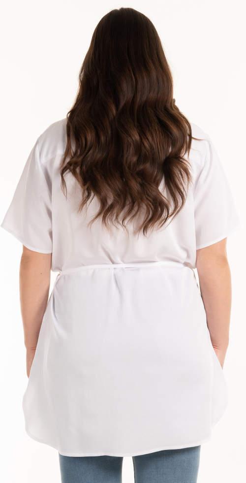 Prodloužená bílá tunika s délkou pod zadek