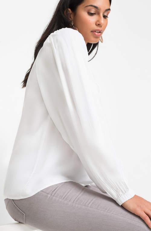 Jednobarevná bílá tunika dlouhý rukáv