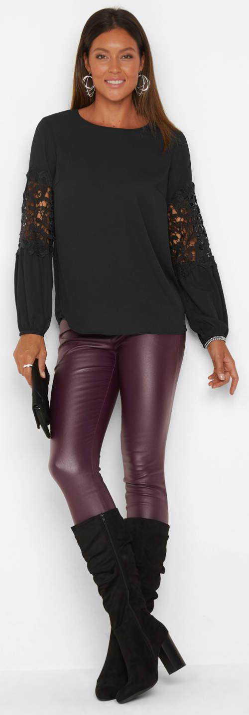 Jednobarevná černá tunika k lesklým kalhotám